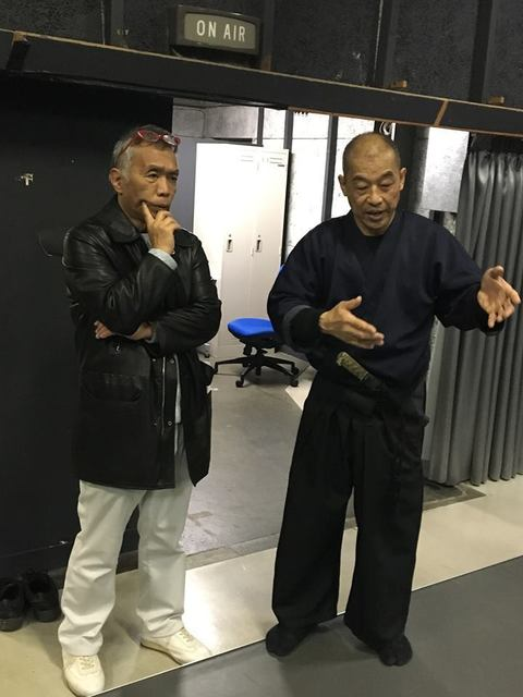 石井和義、館長と.jpg